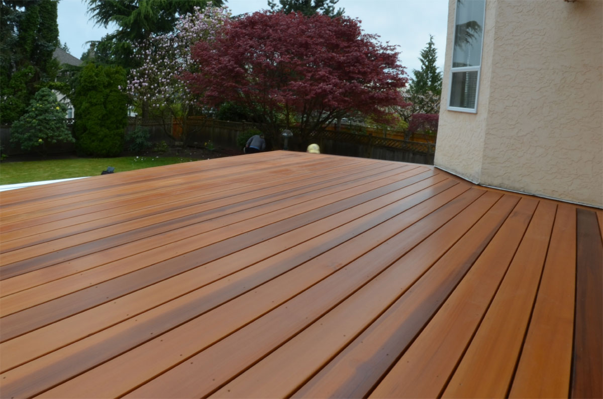Deck builder vancouver cedar decks vancouver arbutus for Smooth hardwood decking boards